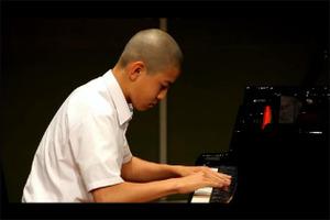 Ren_piano01