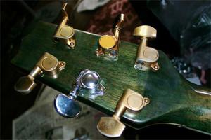Guitar_peg05b